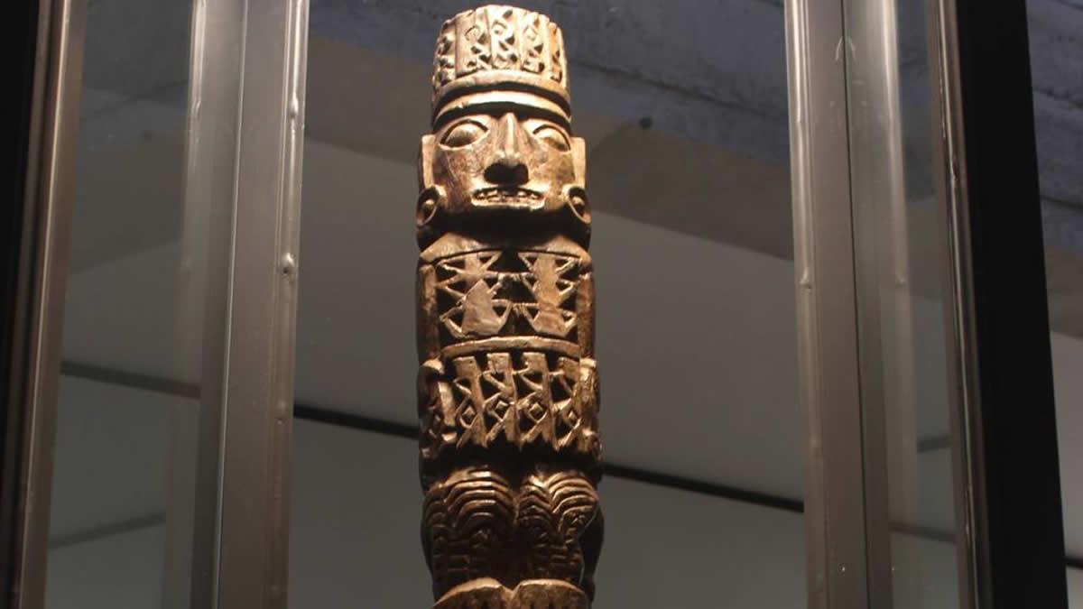 Ídolo de madera de Pachacamac